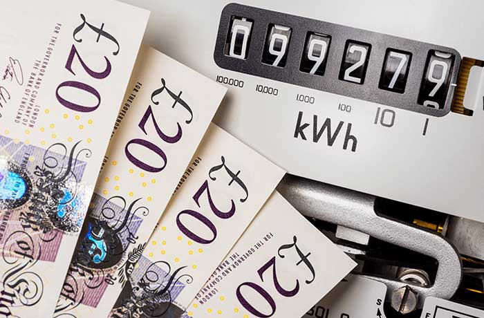 cash and meter - comparing energy suppliers saves money on bills